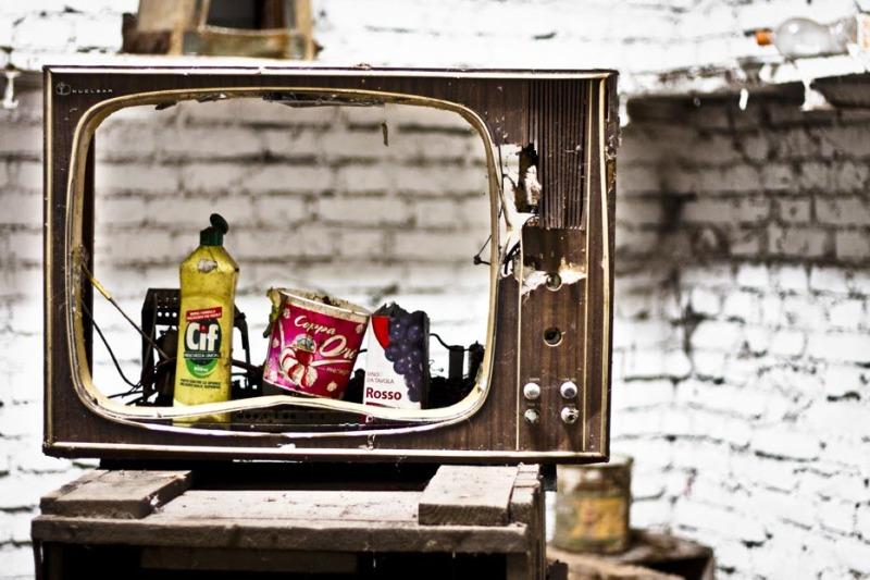 Cibo spazzatura / TV spazzatura - La Piemontesina di Chivasso