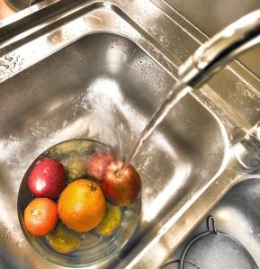 Lavare la frutta - La Piemontesina